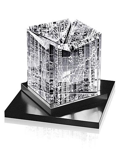 Steuben Wall Street Sculpture
