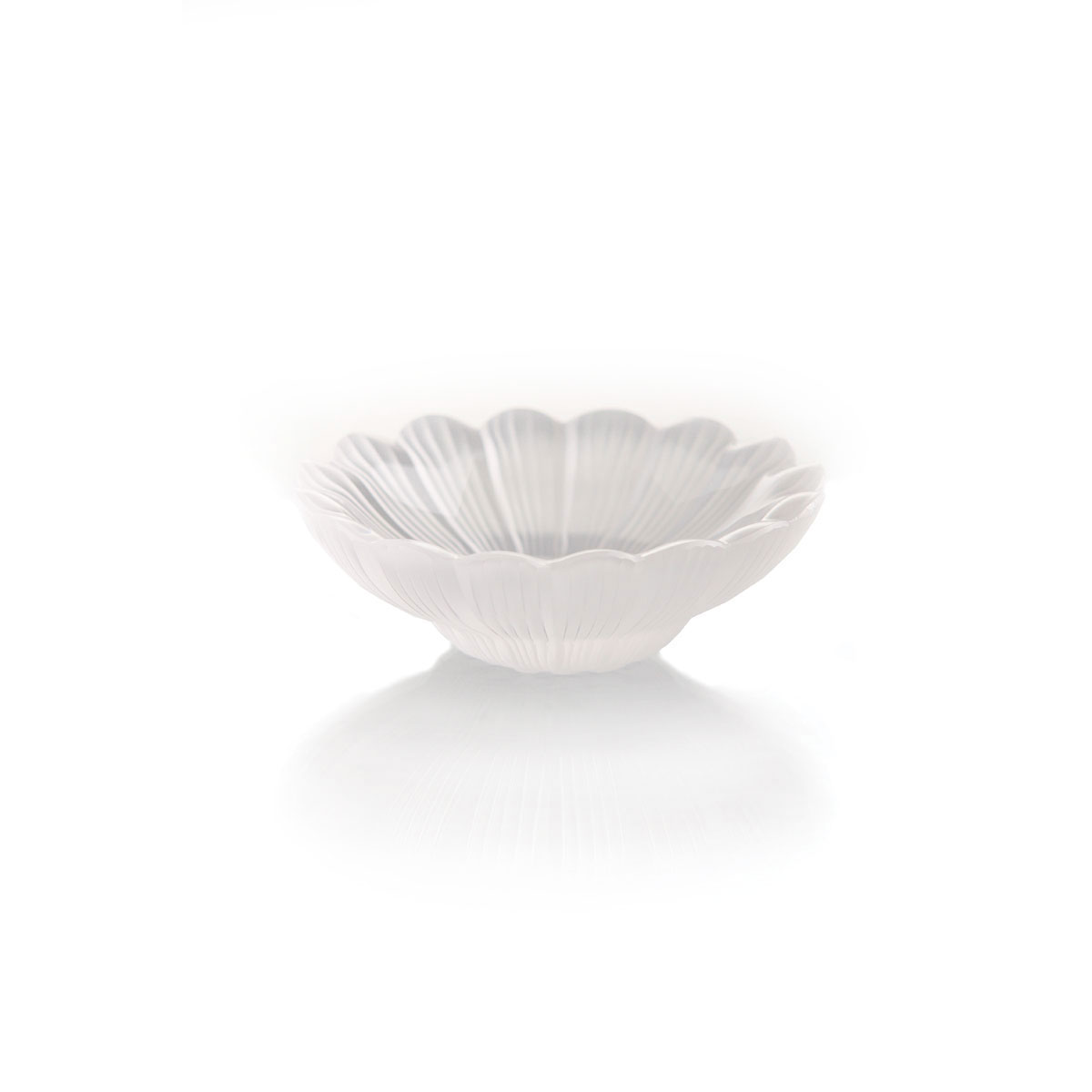 """Lalique Crystal, Paquerettes Daisy Dish, Clear - 3 1/2"""""""