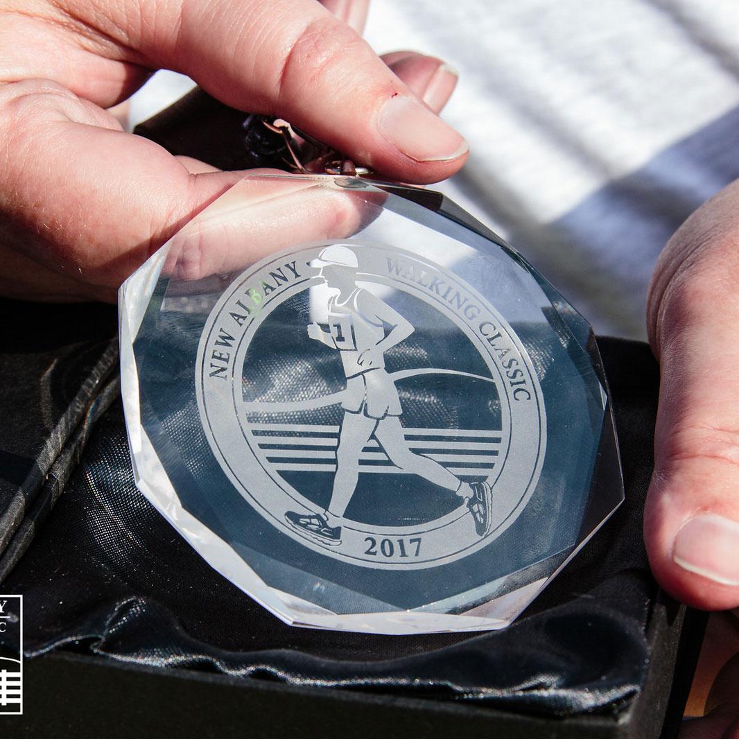 Cashs Ireland, Medal, Victoria