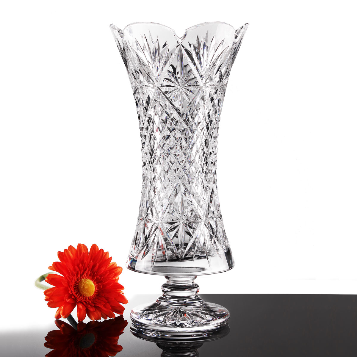 Cashs Ireland, Art Collection Erinn Crystal Vase, Limited Edition
