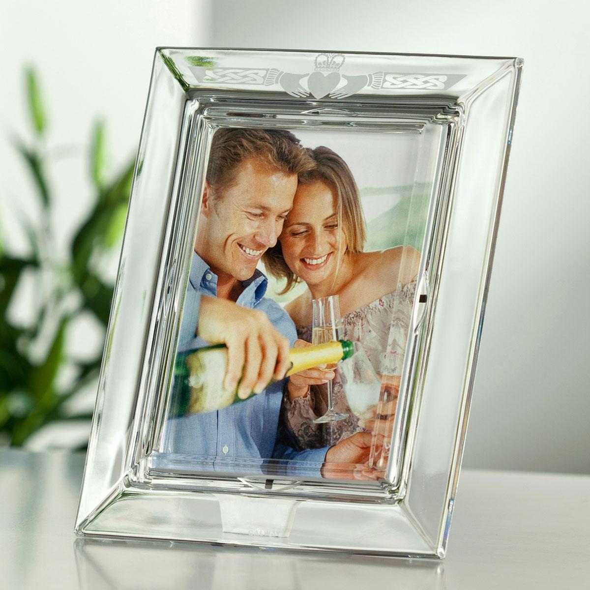 """Galway Crystal Claddagh 5x7"""" Photo Frame"""