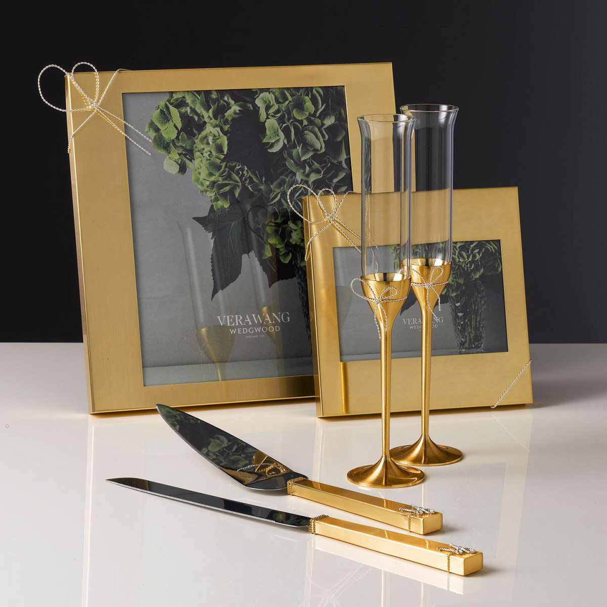 Vera Wang Wedgwood Love Knots Gold Cake Knife and Server Set