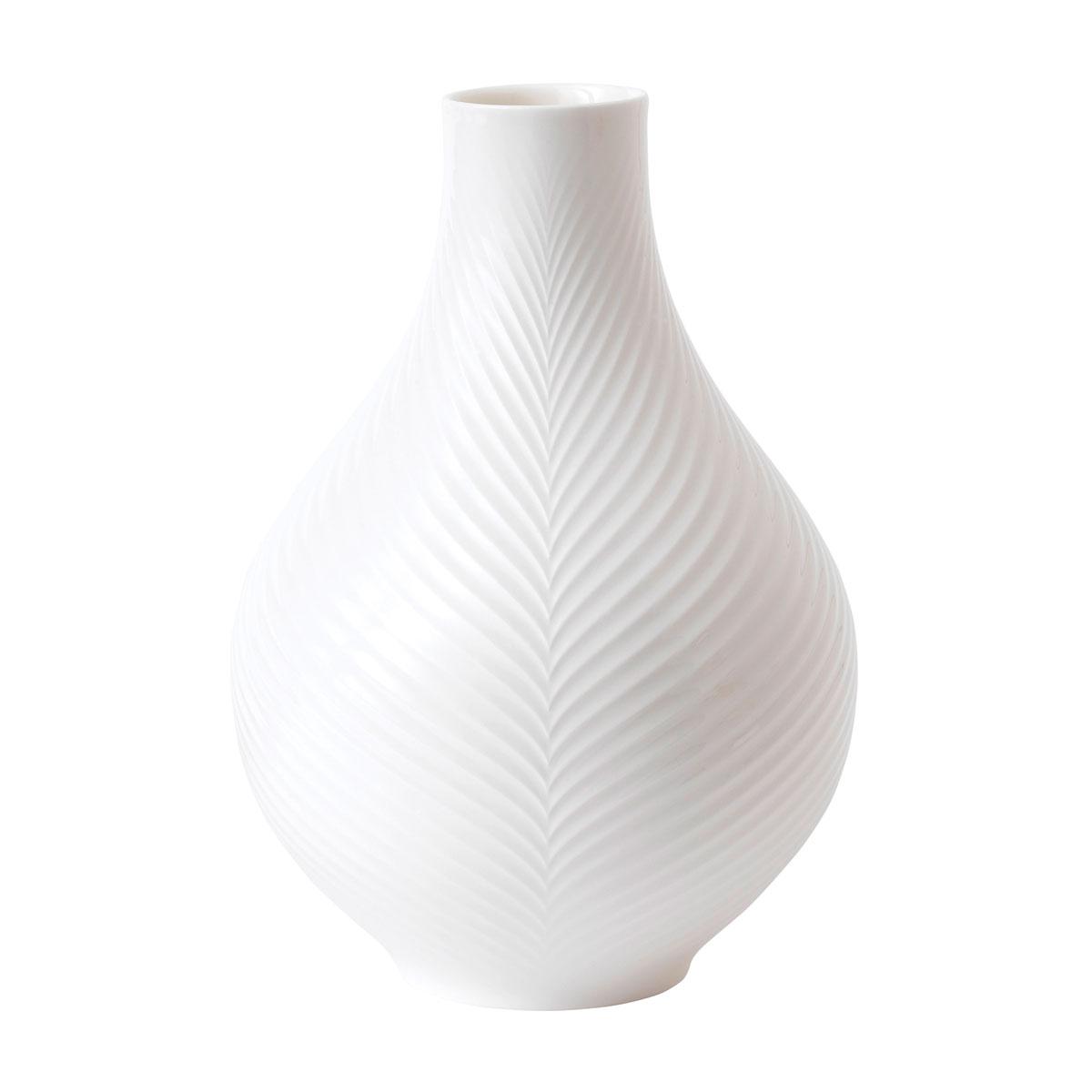 """Wedgwood China White Folia Bulb 9"""" Vase"""