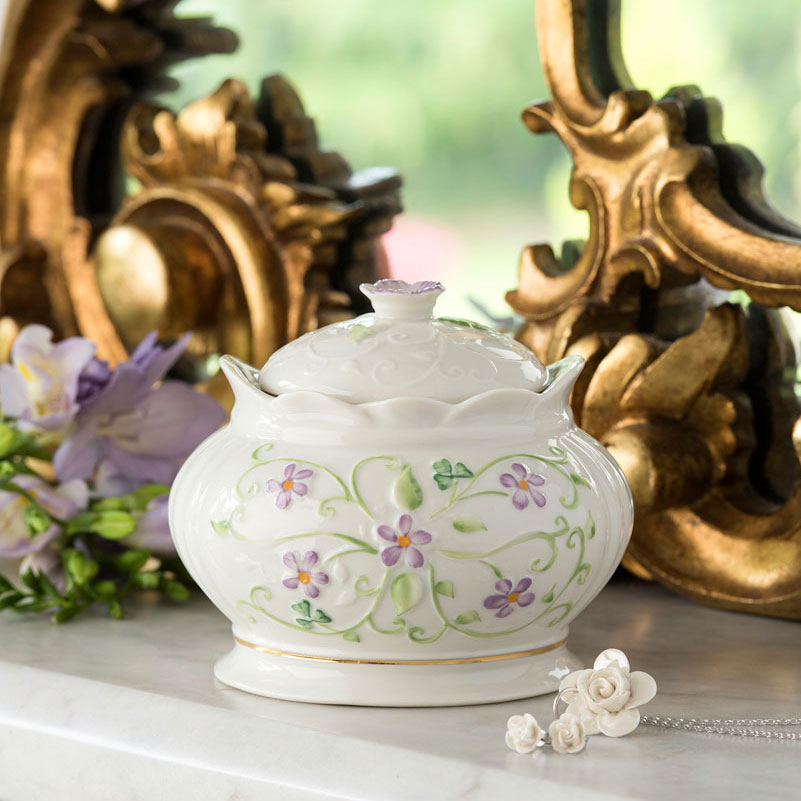 Belleek China Irish Flax Gift Box