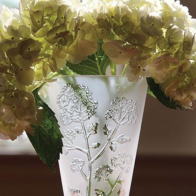 """Lalique Crystal, Ombelles 6"""" Crystal Vase"""