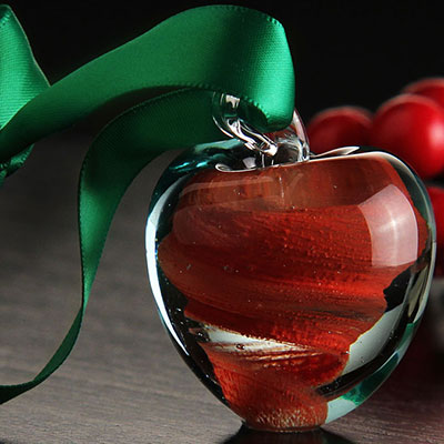 Cashs Ireland, Crystal Art Glass Forty Shades of Green, Red Apple 2018 Ornament