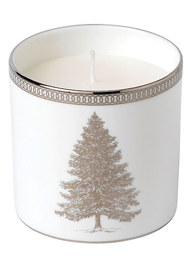 Wedgwood 2019 Winter White Candle (Festive Spice, Juniper and White Heather)