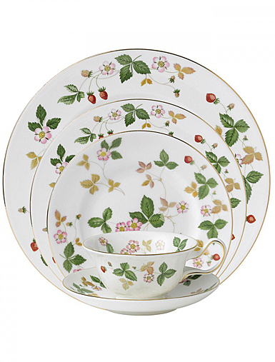 Wedgwood Wild Strawberry Dinner Plate 10.75""