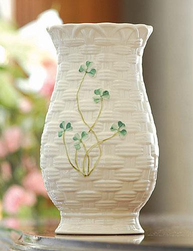 """Belleek China Kylemore 7"""" Vase"""