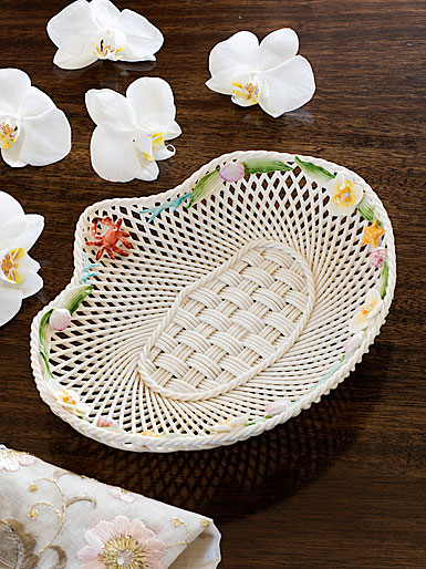 Belleek China Shell Annual 2017 Basket, Limited Edition of 160