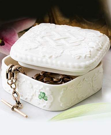 Belleek China 2019 Edition Piece, Love Knot Trinket Gift Box