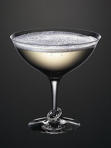 Orrefors Amor Vincit Omnia Coupe Champagne, Pair