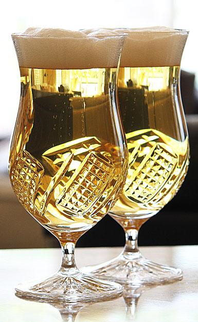 Cashs Crystal Harvester Ale Beer Glass, Pair
