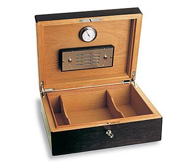 Baccarat Havana Cigar Box 4 1/2in H X 11 3/4in L